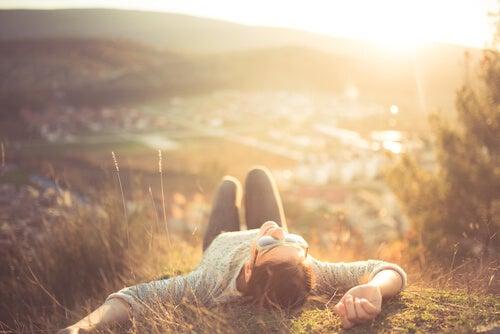 La relajación: los beneficios mentales de desactivar el cuerpo