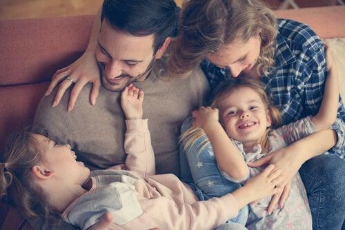 Autoridad positiva: la forma más enriquecedora de educar a tus hijos
