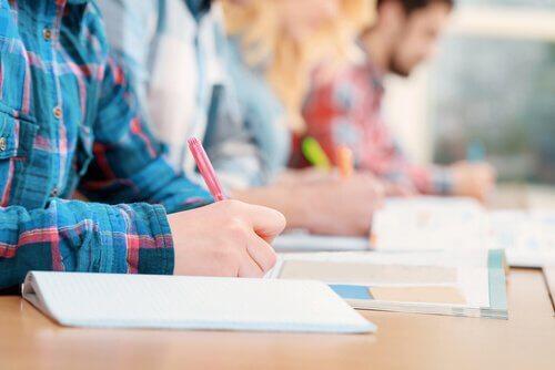 ¿Los exámenes evalúan correctamente a los alumnos?