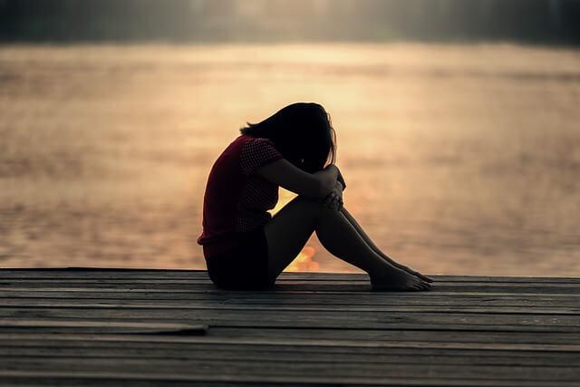 ¿Qué propicia la violencia en las parejas de adolescentes y jóvenes?