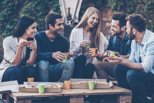¿Cómo nos convertimos en seres sociales?