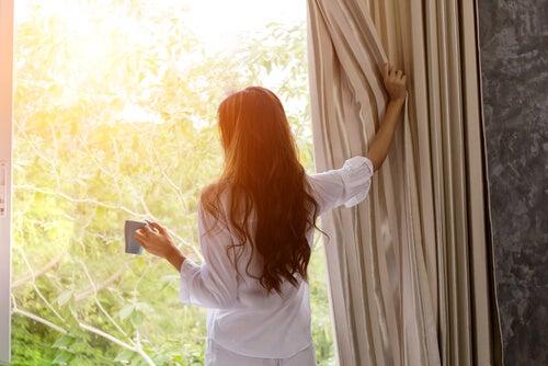 5 estrategias para levantarse temprano