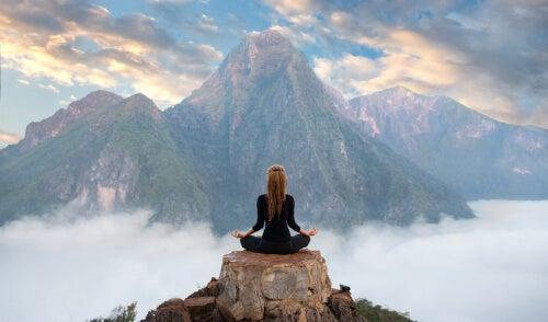 Melatonina y meditación: cómo se relacionan