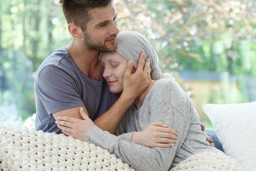 Cómo mantener la serenidad cuando un ser querido tiene cáncer