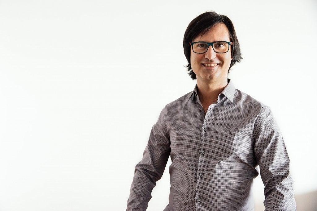"""Entrevista a Óscar González: """"El amor es una experiencia sumamente gratificante para el ser humano"""""""