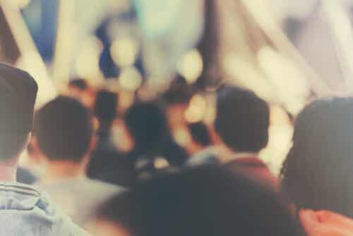 El efecto espectador y el conformismo