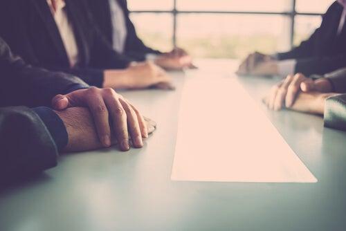 Cómo llegar a un acuerdo negociado, según William Ury
