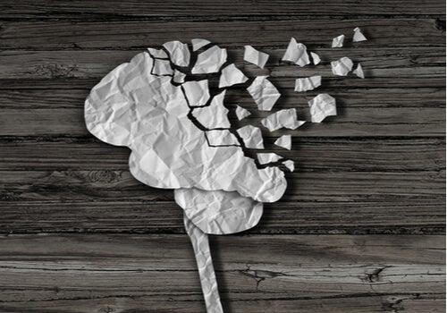 Apraxia: causas, tipos y síntomas