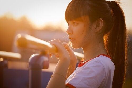Según la ciencia, el cerebro de las niñas madura antes que el de los niños